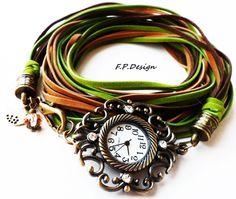 Hier biete ich eine wunderschöne Vintage Armbanduhr zum Wickeln. Das Armband hat eine Gesamtlänge von 1m und kann bei einer Grundlänge von 17cm 6x um