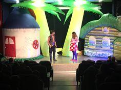 Ümraniyeli çocuklar hafta sonu Ümraniye Belediyesi tarafından düzenlenen tiyatro oyunlarını izleyerek gönüllerince eğlendi. Maine, Fair Grounds