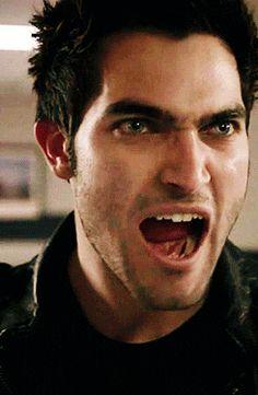Derek Hale's awesome stinkin' growl in Teen Wolf