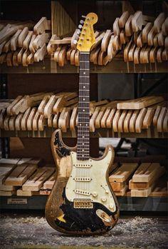 fender John Mayer strat LA BLACK1. por Dios muero por esta guitarra.