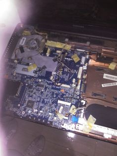 Toshiba A200 para limpieza interna. Ventilador un poquito, un pocazo, sucio mas limpieza general y demas.