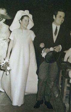 Balenciaga wedding dress for Almudena Elorza Losada for her marriage to Enrique Guzman Bergareche, June 3rd, 1968