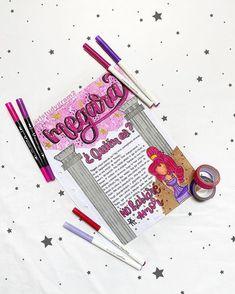 """Roberto Ls. en Instagram: """"𝓜𝓮𝓰𝓪𝓻𝓪. 🌹 . . Holaaa !! Amigos... el día hoy estoy súper feliz por que cumplo un año en mi cuenta 🎉 y no saben lo feliz que me siento por…"""" Chemistry Lab Equipment, Chemistry Labs, Bullet Journal Books, Book Journal, College Notes, Lettering, Instagram, Crafts, Ale"""