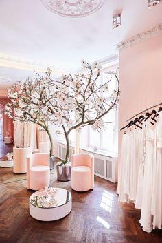 Nun hat Kaviar Gauche einen Bridal Couture Store in Berlin eröffnet – und bewiesen, dass das Label nicht nur Fashion, sondern auch Interior beherrscht. (Foto: Kaviar Gauche)