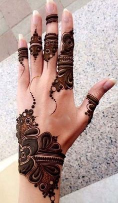 Latest Stylish Mehndi Designs for Weddings & Parties 2019 Back Hand Mehndi Designs, Mehndi Designs 2018, Stylish Mehndi Designs, Mehndi Design Pictures, Beautiful Mehndi Design, Mehndi Images, Arabic Mehndi Designs, Mehndi Desighn, Latest Mehndi
