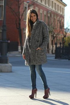 street_style-trend-winter_2012-burgundy-jeans-embellishment-white_shirt-trendy_taste-15.jpg Photo by natatxa_86 | Photobucket