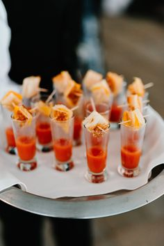 Mini Grilled Cheese & Tomato Soup Shooter at Crossed Keys Estate wedding venue. Photography by Longbrook Photography.