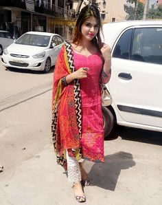 Magenta and pink laced pencil pants suit. Shirt embroided, pants are laced and dupatta is printed in contrast colours. Beautiful Pakistani Dresses, Beautiful Girl Indian, Most Beautiful Indian Actress, Indian Dresses, Cut Pic, Drape Sarees, Adah Sharma, Dancing Baby, Indian Designer Suits