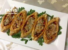 Pratik Mini Milföy Pide (Tavuklu Kaşarlı) - Nefis Yemek Tarifleri Baked Potato, Salsa, Brunch, Potatoes, Baking, Ethnic Recipes, Food, Anne, Meal