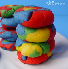 Rainbow Sugar Cookies  Time: 60 minutes  Yield: about 30 cookies  Bake at 350 for 8mins  3 C flour  2 t baking powder  1 C sugar  1 C cold butter  1 egg  3/4 t vanilla  1/2 t almond extract  1/8 t salt  Wilton Icing Colors
