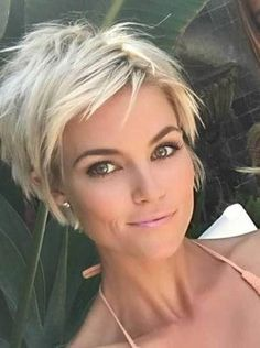48 Stunning Short Pixie Haircut Ideas That Will Trend in 2019 - Thin Hair Cuts Edgy Pixie Hairstyles, Short Choppy Haircuts, Cute Hairstyles For Short Hair, Curly Hair Styles, Easy Hairstyles, Haircut Short, Haircut Styles, Edgy Haircuts, Teenage Hairstyles
