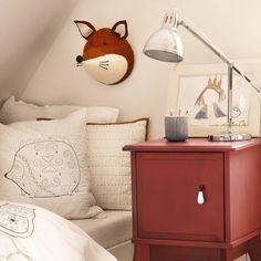 Schöner Schlafen im Kinderbett mit tollen Waldmotiven (Füchse und Igel) von URBANARA