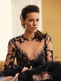 Kate Beckinsale..such an amazingly gorgeous woman ;)