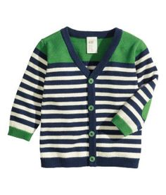 Shop kids clothing and baby clothes at H&M – We offer a wide selection of children's clothing at the best price. Baby Cardigan, Cardigan Bebe, Cotton Cardigan, Striped Cardigan, Kids Knitting Patterns, Knitting For Kids, Baby Knitting, Baby Outfits, Kids Outfits