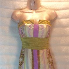 Amazing Nicole Miller 100% silk! A stunner you would love. Bundle and save $$ Nicole Miller Dresses Midi
