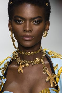 Versace Spring 2018 Fashion Show Details - The Impression
