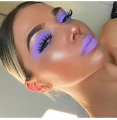 9 Oh-so-hübsches Lavendel-Make-up will # . - 9 Oh-So-Pretty Lavender Makeup Looks to Recreate 9 Oh-so-hübsc - Makeup Eye Looks, Creative Makeup Looks, Cute Makeup, Pretty Makeup, Awesome Makeup, Diy Makeup Glitter, Purple Makeup Looks, Edgy Makeup, Purple Eye Makeup
