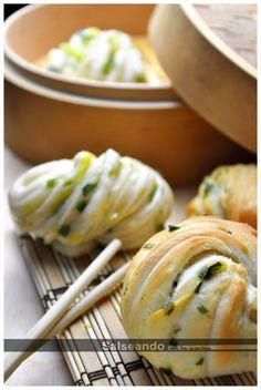 Salseando en la cocina: Hanamaki de ajos tiernos (pan chino) Tortas Light, Bao Buns, Asian Recipes, Ethnic Recipes, Oriental Food, Pan Bread, Yummy Eats, Food Art, Bread Recipes