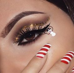 """Waiting for christmas self-made palette dip brow pomade in """"dark brown"""" matte liquid eyeliner white liquid eyeliner vivid brights liners in(vivid fire,vivid delight) iconic Eye Makeup Art, Sfx Makeup, Cute Makeup, Makeup Inspo, Makeup Inspiration, Makeup Looks, Funny Makeup, Makeup Brushes, Makeup Ideas"""