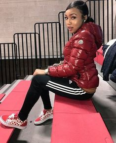 Jacket and Vans Winter Outfits For Teen Girls, Cute Swag Outfits, Chill Outfits, Winter Outfits Women, Club Outfits, Concert Outfits, Nylons, Vetement Fashion, Winter Fits