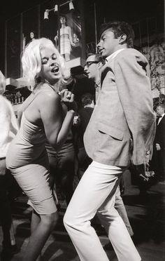 Jayne Mansfield, Films Cinema, Cinema Tv, Shall We Dance, Lets Dance, Norma Jean, Photo Vintage, Vintage Photos, Modern Dance