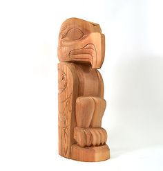 Totem Pole Eagle Design Red Cedar 26 Tall First Nations Art Signed Totem Pole Art, Tiki Totem, Totem Poles, Tiki Statues, Wooden Statues, Wood Carving Designs, Wood Carving Patterns, Native American Totem, American Indians