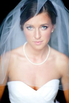 classic bridal styling // blink of an eye photography Bridal Portrait Poses, Bridal Poses, Bridal Shoot, Wedding Poses, Wedding Shoot, Eye Photography, Bridal Photography, Groom Poses, Bridal Pictures