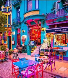 Beautiful colours of Istanbul 💜 📸 Istanbul Travel, Visit Istanbul, Oman Travel, Greece Travel, Hawaii Travel, Colourful Buildings, Colorful Houses, Bohemian Decor, Street Art