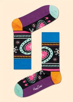 Boasting vivid shades of numerous colours, hippie socks are a must-have for stylish comfort. Flamboyantly designed with blue, orange, black, white, pink and purple, these socks brighten the closets of men and women alike. Only the finest combed cotton is used in these colourful socks to ensure a snug, breathable fit. Graphic, Lively, Vivid. PATTERN: Hippie, COMPOSITION: 80% Combed Cotton, 17% Polyamide, 3% Elastane. www.HappySocks.com