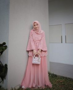 Adorable Ruffle Sleeves Dress Ideas for Hijab Girls – Girls Hijab Style & Hijab Fashion Ideas Kebaya Muslim, Dress Brokat Muslim, Dress Brokat Modern, Kebaya Modern Dress, Kebaya Hijab, Muslim Dress, Model Dress Kebaya, Hijab Gown, Hijab Dress Party