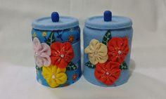 Jogo de Latinhas recicladas revestidas com feltro e flores em feltro. Linda para enfeitar seu ambiente ou presentear.  Peça exclusiva. R$ 18,00