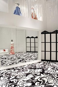 Beau Designer Marcel Wanders Has Completed The Interior Of Fashion Store Villa  Moda In Bahrain. Fabric