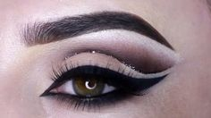 Makeup. Gostaram? Marque as amigas para seguirem nossa pagina tambem  ❤️ @videosfashions  Like it? Tag your friend to follow our page too   @videosfashions _ #amazing @mrs_akaeva #makeup  #videosfashions #mua #justdreamsof