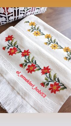 Cross Stitch Borders, Cross Stitch Rose, Cross Stitch Animals, Cross Stitch Flowers, Modern Cross Stitch, Cross Stitch Designs, Cross Stitch Embroidery, Embroidery Patterns, Hand Embroidery