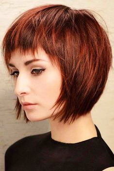 Vintage Hairstyles With Bangs - The pageboy haircut is on the top of beauty charts again. Check out our gallery to see how the cute trend from has changed and how to sport it today! Short Haircut Styles, Short Layered Haircuts, Short Hairstyles For Thick Hair, Short Straight Hair, Short Hair With Layers, Haircuts With Bangs, Short Hair Cuts, Curly Hair Styles, Hairstyles Haircuts