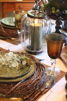 love the ambers & greens in this tablescape...