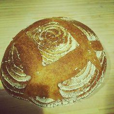 Pinを追加しました!/クープを浅くしてみたら ちょっと浅すぎた(笑)  #campagne #cooking #bread #カンパーニュ #ハードパン