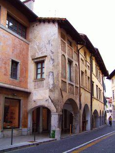 Udine-Via-Gemona--Casa-di-Giovanni-da-Udine-100_1101.gif