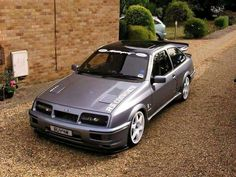 Ford Sierra RS Cosworth , this is one of the best I've seen Ford Sierra, Ford Rs, Car Ford, Retro Cars, Vintage Cars, Bmw E36, E36 Coupe, Gt Turbo, Muscle Cars