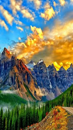 Breathtaking colors over the mountains...