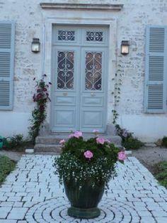 manoir, belle demeure, château, maison de maitre, maison bourgeoise, porte d'entrée