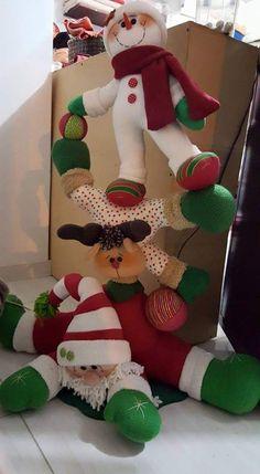 Christmas Sewing, Christmas Fabric, Felt Christmas, Christmas Snowman, Christmas Projects, Christmas Home, Christmas Ornaments, Felt Crafts, Diy Crafts