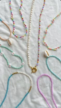 Bracelet Crafts, Jewelry Crafts, Handmade Jewelry, Beaded Bracelets, Cute Jewelry, Jewelry Accessories, Jewelry Design, Summer Accessories, Seed Bead Jewelry