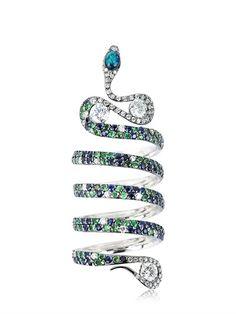 PODEROSA RING, 18kt Black plated white gold, 3 Brilliant cut diamonds: 0.90ctw, Colour: H, Clarity: VS 2. Diamond pavé: 1.0ctw, Blue sapphire pavé: 1.0ctw., One boulder opal, Total number of stones: 235. Length: 5.5 cm, Handmade, AU750/DIAMONDS/SAPPHIRE/TSAVOR, 2013