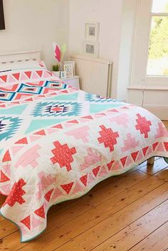 Aztec/Native American inspired quilt that was featured in Issue 21 of Love Patchwork and Quilting