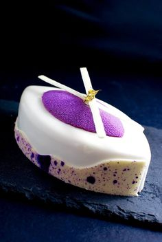 Cassis mascarpone cake - red biscuit, vanilla mousse and mascarpone confit with cherry and cassis, creamy blackcurrant. Creative Desserts, Fancy Desserts, Creative Cakes, Just Desserts, Dessert Drinks, Dessert Recipes, Patisserie Fine, Decoration Patisserie, Pastry Art