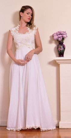 Vintage 1970s Wedding Dress Ivory Applique by DamselVintage