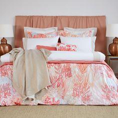 Zara Home New Collection Coral Bedroom, Coral Bedding, Bedroom Green, Bedroom Decor, Modern Luxury Bedroom, Luxurious Bedrooms, Luxury Bedding Collections, Luxury Bedding Sets, Zara Home