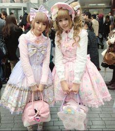 the girls are sooooo pretty in there dress i just love pretty dress