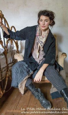 Magnolia Pearl - Fall 2016 Boots n pants. Cute Fashion, Boho Fashion, Vintage Fashion, Fashion Outfits, Womens Fashion, Magnolia Pearl, Mode Boho, Mode Vintage, Mode Outfits